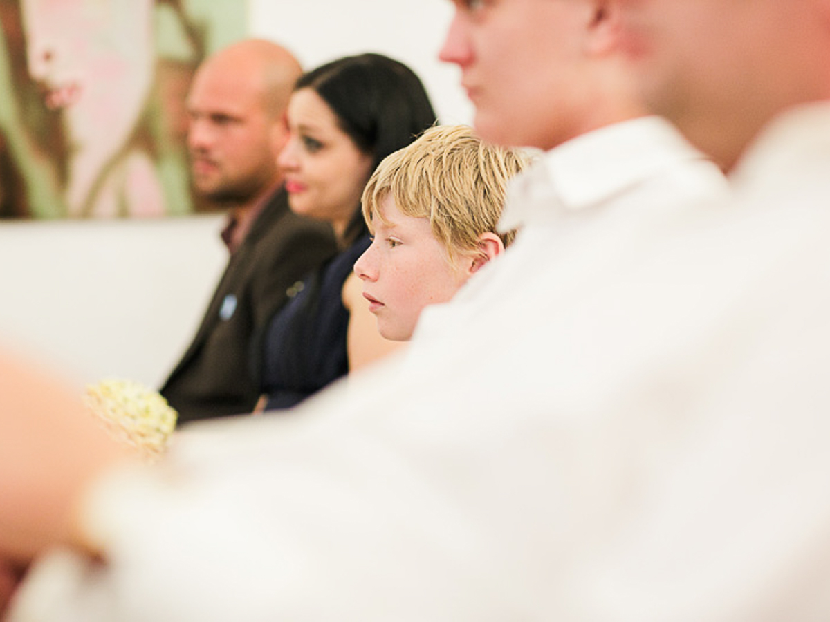 Vergleich Hochzeitsfotograf gegen Hobbyfotograf. Lohnt sich der Unterschied? Warum kosten Hochzeitsfotografen so viel? Fotograf Hochzeit ganzer Tag?